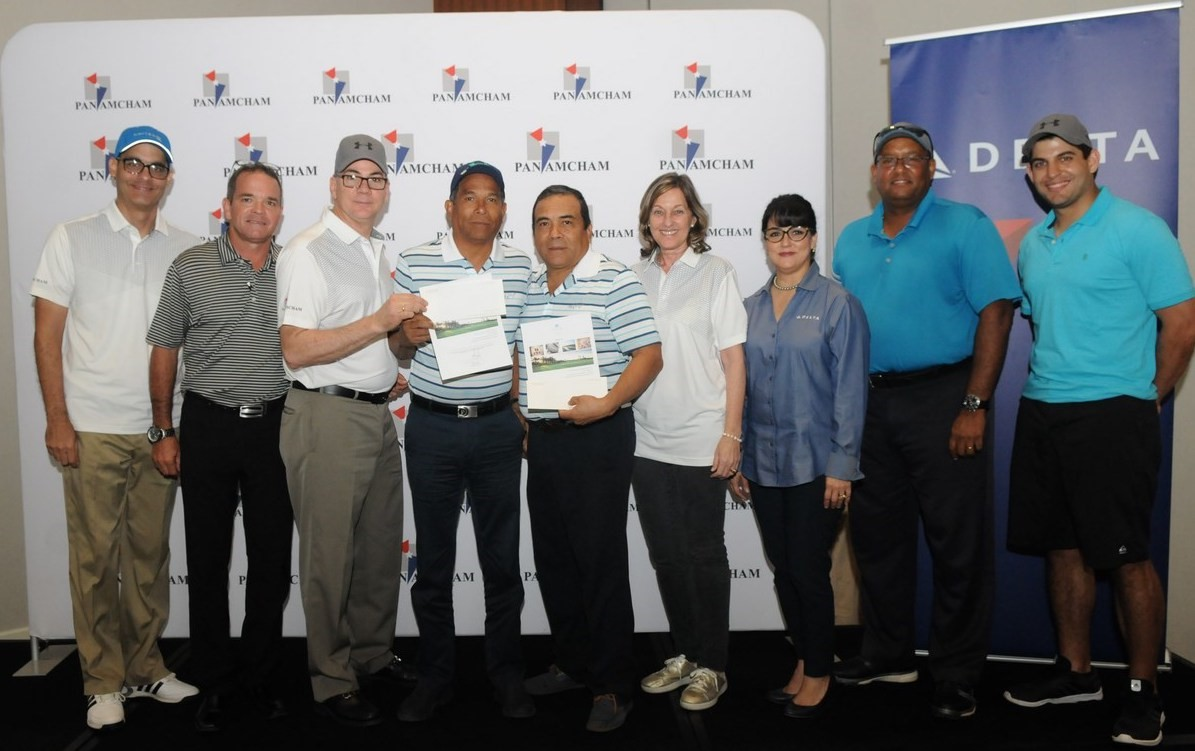 Los ganadores del primer lugar en categoría Gross fueron Jorge López y Fernando López de la empresa Tele - Communication Contractor.